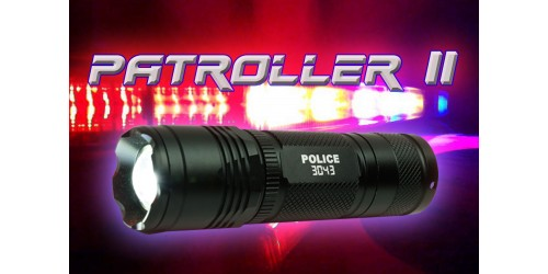 Patroller II flashlight with rechargeable battery